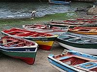 Bateaux de pêche à Ponta do Sol, sur l'île Santo Antão (Cap-Vert).  (définition réelle 2816×2112)