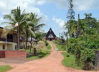 Une rue du village de Cacao (Guyane). (définition réelle 3444×2521)