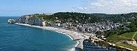Vue d'Étretat (Normandie). (définition réelle 7979×3000)
