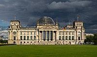 Le palais du Reichstag, à Berlin. (définition réelle 8483×5000)
